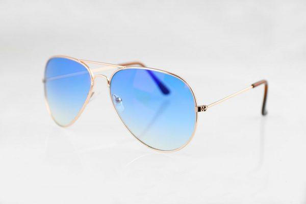 Stilīgas dažādu modeļu polarizētās brilles
