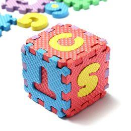 """Mīkstā puzle bērniem """"Burti un Cipari"""" - 36 kvadrātiņi"""