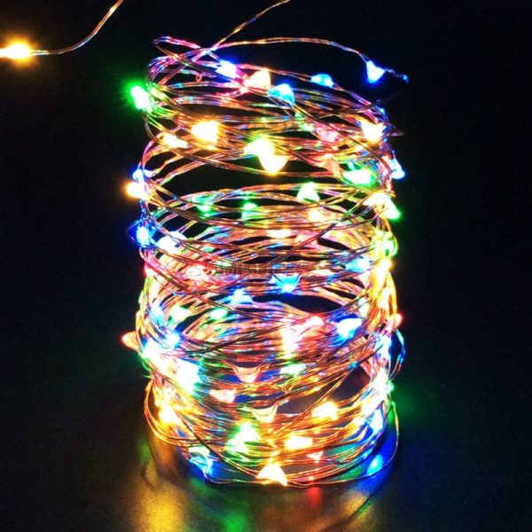 Stīgu virtene 30 LED diodes - darbojas ar baterijām - dažādās krāsās - multicolor