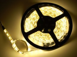 LED gaismas diožu lentes rullis - 5m - silti balta gaisma